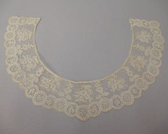Antique lace collar handmade Point de Gaze