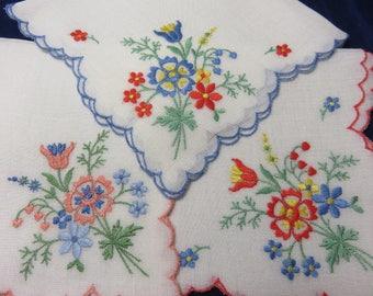 Vintage Hanky Set Bright Colored Flowers Scalloped Edge Hankie Handkerchief Set