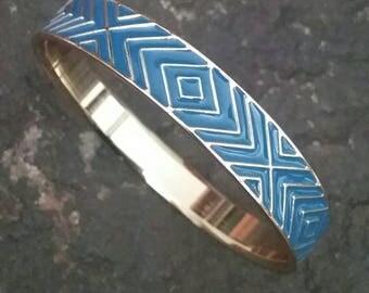 Vintage Blue and Gold Bangle Bracelet, Bracelet, Blue Bracelet, Bangle Bracelet, Geometric Bangle, Metal Bracelet, Fashion Bracelet, Fashion