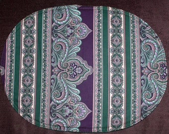 Oval placemats with medalion pattern, set of 4