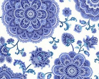 Duchess Medallions Snow fabric | CM5226 - SNOW | Chong-a Hwang | Timeless Treasures