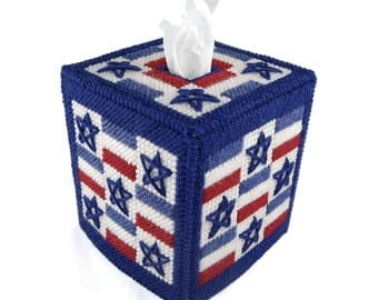 PATTERN: Stars And Stripes Tissue Box Cover in Plastic Canvas