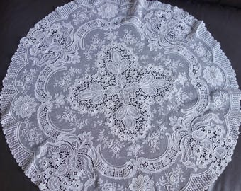beautiful vintage lace 22 inch diameter  tablecenter