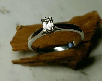 Platinum and Diamond engagement ring. Platinum ring. Diamond ring. Rectangular diamond ring. Classic ring. Simple engagement ring.
