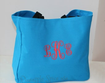 Set of 8 Bridesmaid Tote Bags, Personalized Bags, Custom Embroidery Monogrammed Wedding Party Gifts