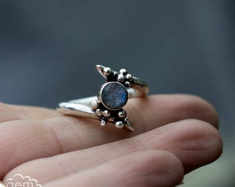 Labradorite and sterling silver ring - Growth -