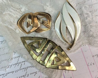Vintage BROOCH Lot- Leaf Brooch- Gold Colored Brooches- Costume Jewelry- Sarah Coventry- JJ 1988 Signed Brooch- Abstract