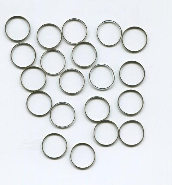 20 vintage bronze gold metal jump rings hoops 16mm closed hoop rings #supply769