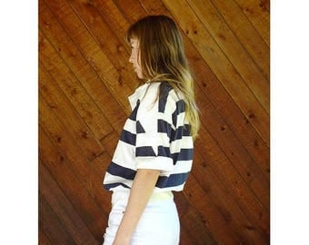 20% off SUMMER SALE. . . Nautical Wide Stripe s/s Navy Sailing Top - Vintage 90s - S/M