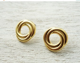 On Sale 40% off, Daniel Earrings, round studs,