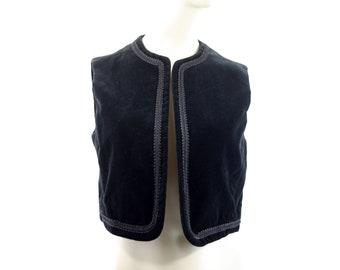 Vintage Rrruss Division of Russ Togs Inc Black Velour Woman's Cropped Vest