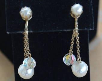 On sale Pretty Vintage Faux Pearl, Crystal Clip Earrings, Dangle, Gold tone (J2)