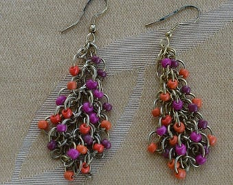 ON SALE Pretty Vintage Orange, Fuschia Pink Beaded Chainmaille Dangle Pierced Earrings, Gold tone (Z2)
