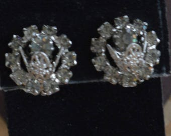 Gray Rhinestone Tulip Clip Earrings, Silver tone, Vintage (Q7)