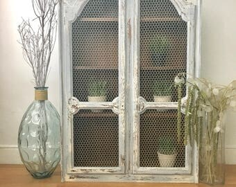Vintage Distressed Wood Chicken Wire Cabinet Hutch Dining Room Living Storage