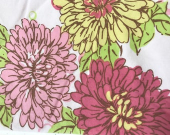 Vintage sheet fat quarter. Bright floral