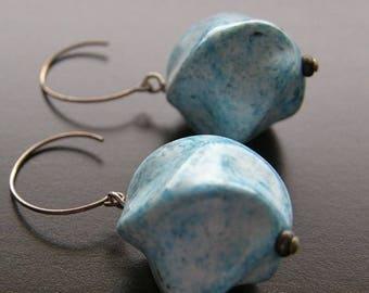 Summer Sale 20% Off Vintage Lucite Earrings, Aqua Blue Earrings, Mod Earrings