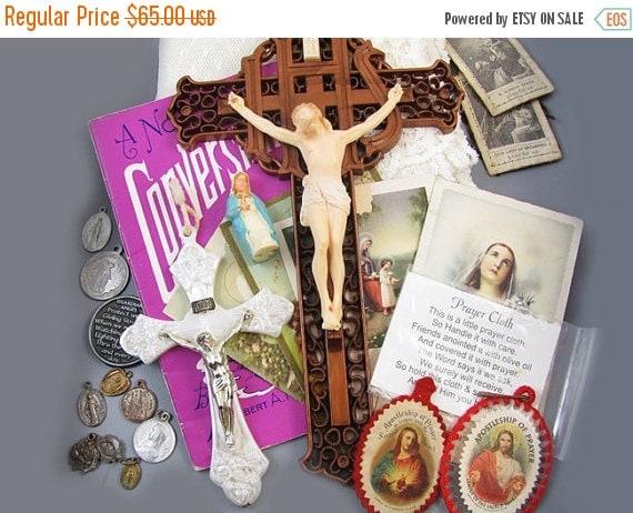 Christmas in July Sale Nice big vintage 23 pc lot religious Christian Catholic mementos / cross / crucifix / medals / pendants / prayer card