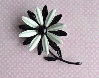 Vintage Enamel Daisy Brooch Pin Black & White
