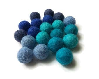 Felt Balls Aqua Blue Color Mix - 20 Pure Wool Beads 15mm