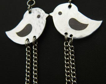 Adorable Etched Birdie Earrings