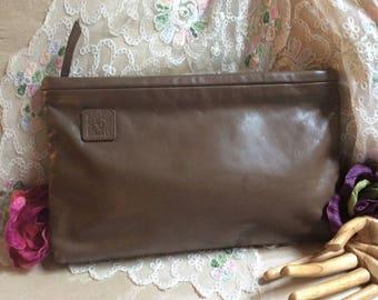 Vintage dark taupe leather Anne Klein clutch handbag, deep mushroom color leather envelope clutch purse, Anne Klein logo lion clutch purse