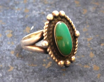 Vintage Native American Style Green Turquoise Sterling Silver Ring - Bell Trading Post Hallmark - Size 6.5 Navajo Style Southwestern Ring