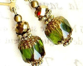 Earrings ✿ ✿ 10mm OLIVINE Crystal Bohemian OR662 CATHEDRAL