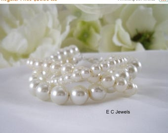 Summer Sale Trio of Pearls Bracelet
