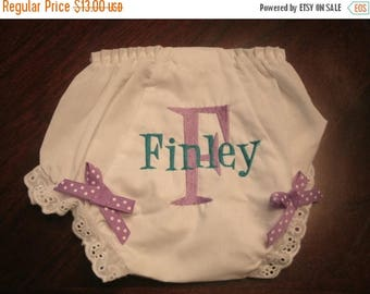 ON SALE Monogrammed Baby Bloomers, Diaper Cover with Bows, Diaper cover with Monogram, Initial and Name Bloomer