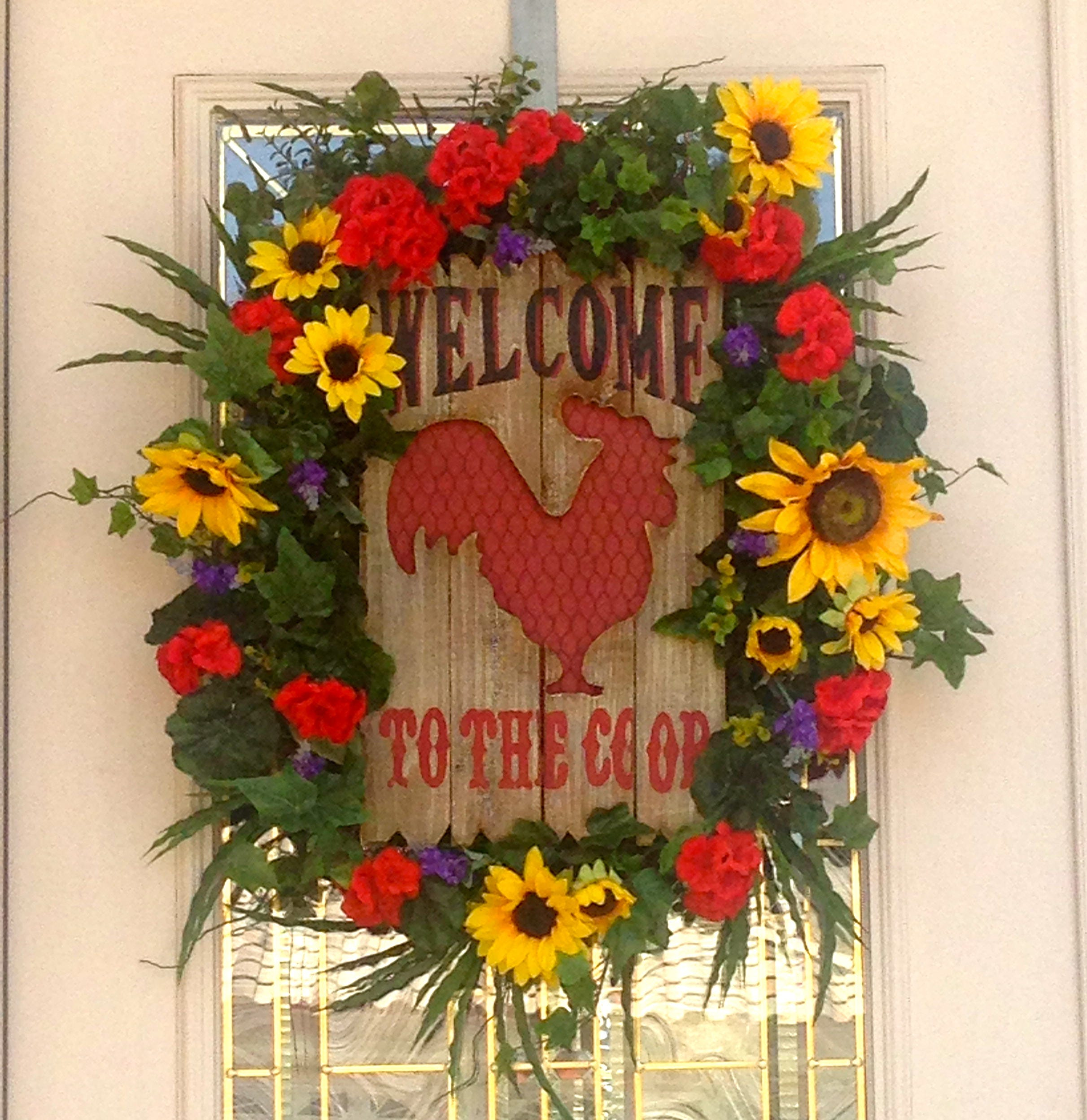 Welcome to the coop rooster wreath with sunflowers and gerainiums welcome to the coop rooster wreath with sunflowers and gerainiums welcome wreathfront door wreathsunflower wreathcountry kitchen wreath rubansaba