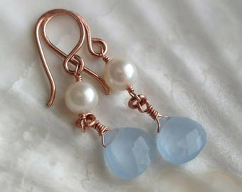 Gray blue faceted quartz briolette and cultured white pearl 14k rose gold filled drop earrings - wire wrapped handmade gemstone jewelry