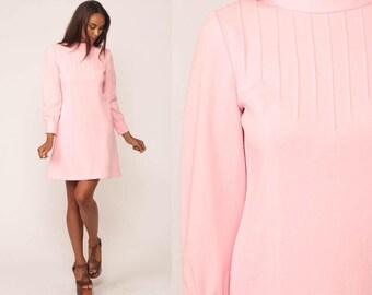 Baby Pink Dress Mod Mini 60s Shift 1960s Funnel Neck Sheath 70s Polyester Vintage Long Sleeve Space Age Twiggy Gogo Medium