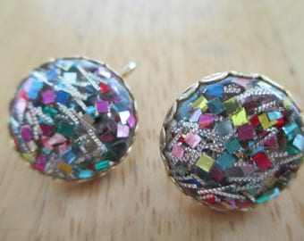 Vintage costume jewelry  / CLOSING STORE SOON  Reducing items   clip on earrings