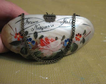 antique niagra falls  sea shell coin purse with chain