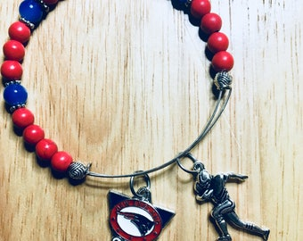 "New England Patriots memorywire expandable bracelet.  2 1/2 inch in diameter, fits 7 1/2 - 8"" wrist. Patriots, N E, England, ladies jewelry"