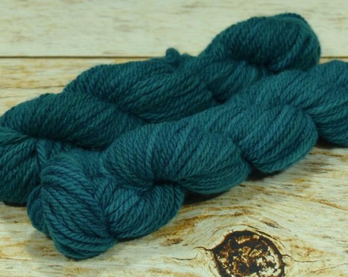 "Wee Llineage Worsted "" Emerald City "" Semisolid Hand Dyed Yarn 20 g / 50 yd"