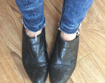 SUMMER SALE Ankle Boots, Black Boots, Pull On Boots Size 9 / Euro 40 / UK 6 6.5 Womens Black Boots, Chelsea Boots,  Preppy Hipster Black Lea