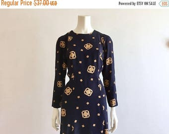 SALE EVENT Navy Blue + Gold Long Sleeve Shift Dress Size L 10-12 - Fitted Button Back Trumpet Dress - Knee Length Fitted Shirt Dress -
