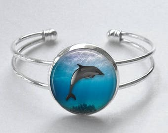 Dolphin Art silver cuff bracelet - Dolphin Bangle - Swimming Dolphin, Under the water art - Gift For Her - Beach Jewelry - Cruise jewelry