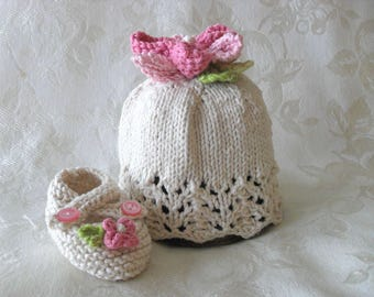 Hand Knitted Flower Cloche and Matching Booties Lace Baby Cloche Knitted Bow Baby Beanie Knitting Newborn Baby Hat Children Clothing