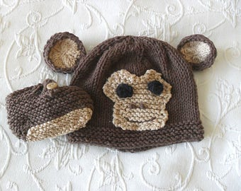 Hand Knitted Baby Monkey hat and Matching  Booties Knitted Animal Baby Beanie Knitting Knitted Newborn Baby Hat Children Clothing Halloween