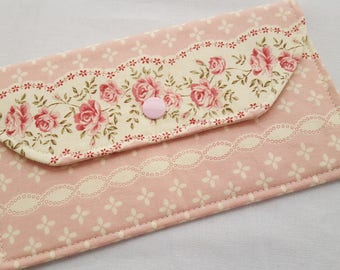 Fabric Wallet Pouch Card holder -  Shabby Pink Roses
