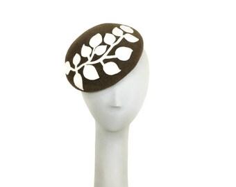 Wedding Hat, Fascinator White Felt Hat, Fascinator Hat, Womens Hat, Ladies Hat, Dress Hat, Mother of the Bride Hat Mini Hat, Fancy Hat
