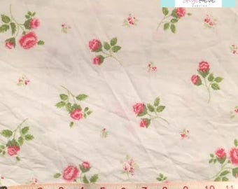 Full Vintage Fitted Sheet with Delicate Flowers
