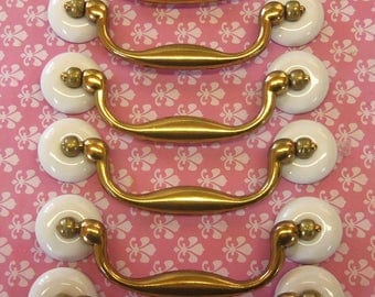 FREE SHIPPING 12 Drawer Pulls 4 Inch Centers Old Fashioned Porcelain Bail Swing Handles