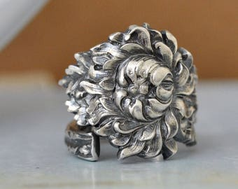 sterling silver vintage spoon ring, CHRYSANTHEMUM , vintage sterling silver spoon ring adjustable, size 8, antiqued silver lily ring,