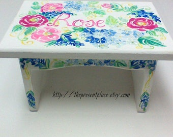 personalized,flower stepstool,floral step stool,bohemian flowers,girls step stool,kids bench,baby's stepstool,childrens bench,distressed
