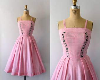 1950s Vintage Dress - 50s Embroidered Pink Gingham Sundress - XS Small