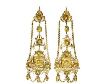 ON SALE Rare 14K yellow gold filigree chandelier earrings Pre-Victorian era lotus acorns